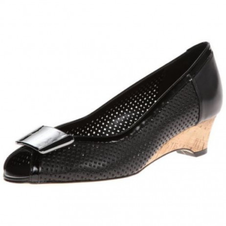 Bonnee Black leat Vaneli Pump