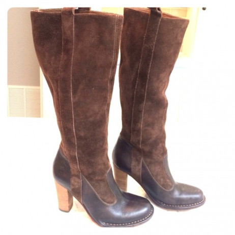 Villager Cafe Coco Frye Boot