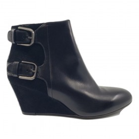 D204516 RCK AGL Black Leather Ankle Boots