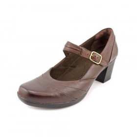 Clarks Women's Scheme Day Brown Leather Bendable MaryJane Pump