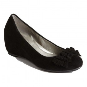 Me Too Women's Shelby Black Suede Wedge Pump