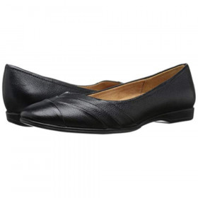 Jaye Black Naturalizer Flat